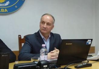 Seful IPJ Alba, comisarul sef Florin Dogaru, depistat cu COVID-19. Peste 30 de politisti sunt infectati cu coronavirus