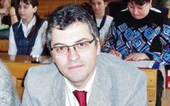Seful Inspectoratului Scolar Judetean Braila a fost destituit a doua zi dupa ce a revenit la munca din concediu medical
