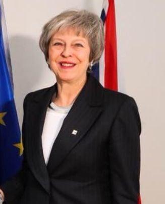 """Seful Opozitiei din UK ar fi facut-o """"femeie proasta"""" pe Theresa May in plenul Parlamentului"""