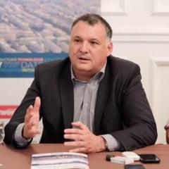 Seful PNL Constanta cere anularea alegerilor pentru functia de primar al localitatii Costinesti. Unele buletine de vot aveau sigla Pro Romania in dreptul candidatului liberal