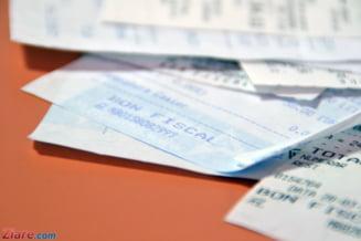 Seful unui inspectorat scolar a lovit o angajata a unui bar, deranjat ca nota de plata i-a fost adusa de bucatareasa