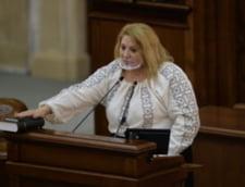 Senatoarea Diana Sosoaca, sanctionata cu avertisment scris. Este pentru prima data cand Biroul permanent da o astfel de sanctiune