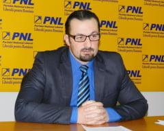 Senator PNL: Ponta e Nicu Ceausescu de moda noua. Liberali, iesiti din transee!
