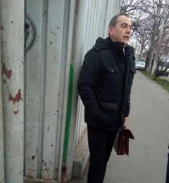 Senator USR tinut ore in sir in fata unui centru de plasament din Bucuresti: Nu stiu ce vor sa ascunda, dar trebuie sa aflu