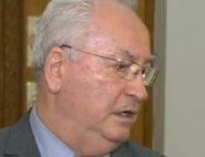 Senatorii PNL voteaza demisia lui Traian Basescu, dar cer si demisia Guvernului Ponta