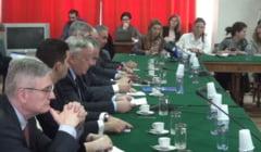 Senatorii PSD au chiulit de la intalnirea cu Isarescu din Parlament