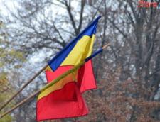 Senatorii PSD vor imn intonat zilnic in scoli si sanctiuni pentru nereguli la arborarea drapelului