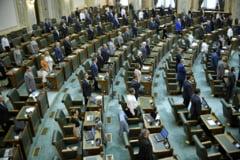 Senatorii au respins ordonanta care corecta efectele OUG 114/2018 si care le ingheta salariile
