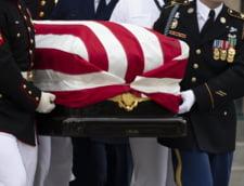 Senatorul John McCain a fost inmormantat in cadrul unei ceremonii private