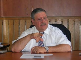 Senatorul Magureanu ameninta finantistii ca sa nu-i controleze firmele