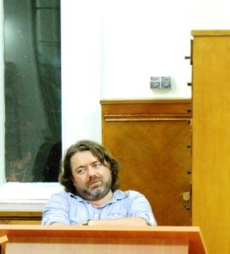 Senatorul Mihai Gotiu a fost batut de Mirel Palada intr-un studio de televiziune: M-a lovit cu pumnul in gura, cu picioarele
