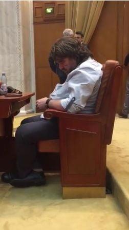 Senatorul USR care a adormit in Parlament se autosanctioneaza: Renunta la indemnizatia pe o saptamana
