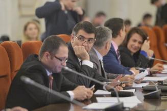 Senatul a adoptat legea privind spalarea banilor fara articolul dedicat demnitarilor, mentionat expres in directiva europeana pentru care CE ne-a trimis in judecata