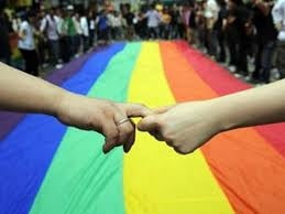 Senatul lasa homosexualii sa faca manifestatii