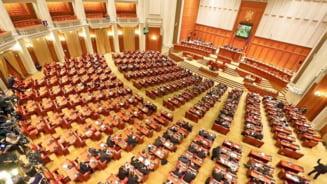 Senatul si Camera Deputatilor se intrunesc in prima sesiune ordinara. Prioritatea: adoptarea bugetului de stat