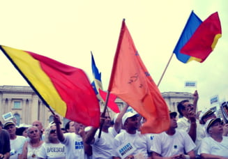 Sepci marinaresti, tricouri albe si discursuri pro boicot la mitingul pentru Basescu Fotoreportaj Ziare.com