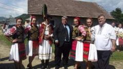 Serbare campeneasca la Rebra, cu folclor si voie buna