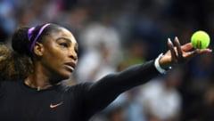 Serena Williams o spulbera pe Maria Sharapova la US Open