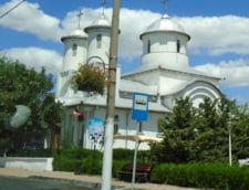 Sex-tape cu episcopul de Husi: Reprezentantii Bisericii arunca pisica de la Iasi la Bucuresti si invers