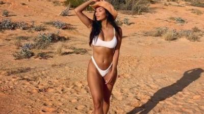 Sexy in desert. Pozele cu care cantareata Nicole Scherzinger a facut senzatie pe nisipul fierbinte FOTO