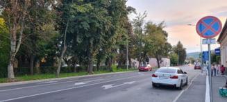 Sfantu Gheorghe: noua regula privind oprirea masinii pe strada Kos Karoly la orele de varf