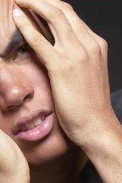 Sfaturi anti-mahmureala adunate de la barbatii patiti