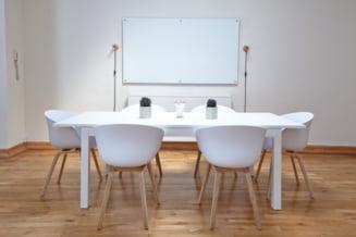 Sfaturi pentru a curata si a intretine corect tabla magnetica, un excelent instrument de management al timpului
