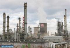 Sfidare pe fata! Dupa ce a fost amendata, rafinaria Lukoil a inceput sa polueze si mai tare in Ploiesti