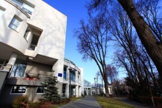Si Universitatea din Suceava, unde a fost rector ministrul Educatiei, nu face cursuri din cauza gerului