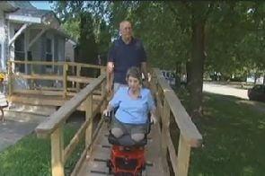 Si-a pierdut picioarele in urma unei operatii de slabit