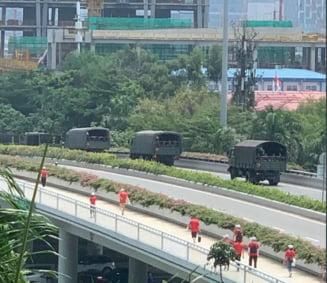 Si-a pierdut rabdarea Beijingul? Forte paramilitare chineze, filmate in apropiere de Hong Kong (Video)