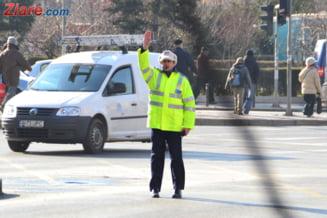 Si politistii vor salarii mai mari: Pentru ce si-a riscat viata agentul lovit cu masina de un sofer turc?