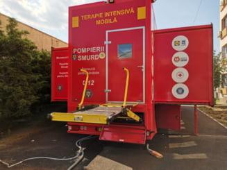 Sibiu: Ca sa nu sufere de frig, bolnavii cu COVID-19 vor fi transportati cu ambulantele prin curtea Spitalului Judetean, de la UPU la CT
