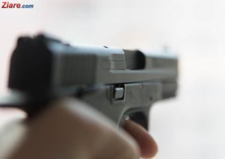 Sibiu: Un tanar a fost impuscat de 6 ori cu un pistol de airsoft pentru ca facea galagie in bloc