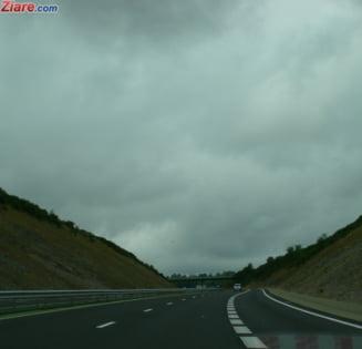 Sibiul, imprejurimile si Valea Oltului sunt afectate de inundatiile aparute in urma ploilor de duminica