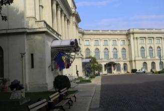 Sicriul cu trupul neinsufletit al reginei Ana a ajuns in Bucuresti