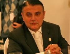 Silaghi vrea sa vanda integral TAROM si sa amane privatizarea CFR Marfa
