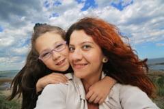 Simona Andrei - artist FOTOGRAF si MAMA iubitoare/ Cu studioul acasa si copilul model (FOTO)