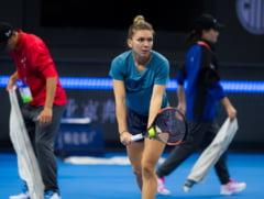 Simona Halep, reactie nervoasa la adresa echipei sale, intr-un meci pe care il domina la Beijing