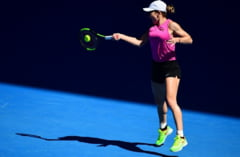 Simona Halep castiga cu mari emotii in primul tur la Australian Open