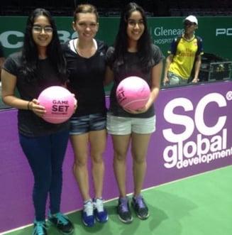 Simona Halep le-a facut o surpriza fanilor in Singapore