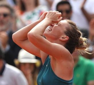 Simona Halep nu se mai desparte de trofeul de la Roland Garros: Am dormit cu el, ca un copil cu o jucarie