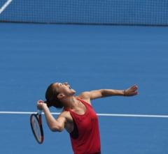 Simona Halep o spulbera pe Kasatkina si se califica in semifinale la Beijing