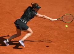 Simona Halep o spulbera pe Swiatek si se califica in sferturi la Roland Garros