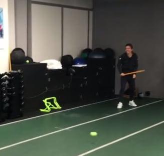 Simona Halep si Darren Cahill au improvizat un meci de baseball (Video)
