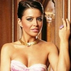 Simona Patruleasa va prezenta stirile la Kanal D