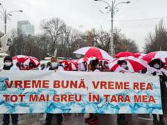 Sindicalistii Sanitas protesteaza in fata Guvernului fata de legea salarizarii. Ce alte revendicari au
