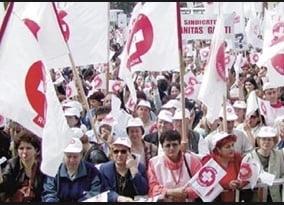 Sindicalistii din sanatate ameninta cu proteste de strada