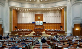 Sindicatele atrag atentia ca Parlamentul ar putea aproba azi taierea pensiilor militare cu peste 30%
