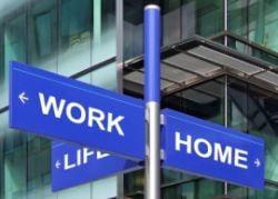 Sindicatele europene protesteaza impotriva majorarii orelor de munca